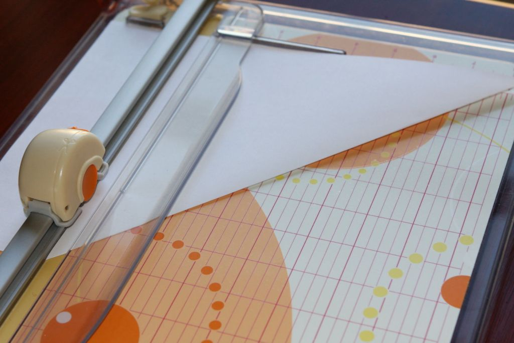 how to cut pvc sheet by hand