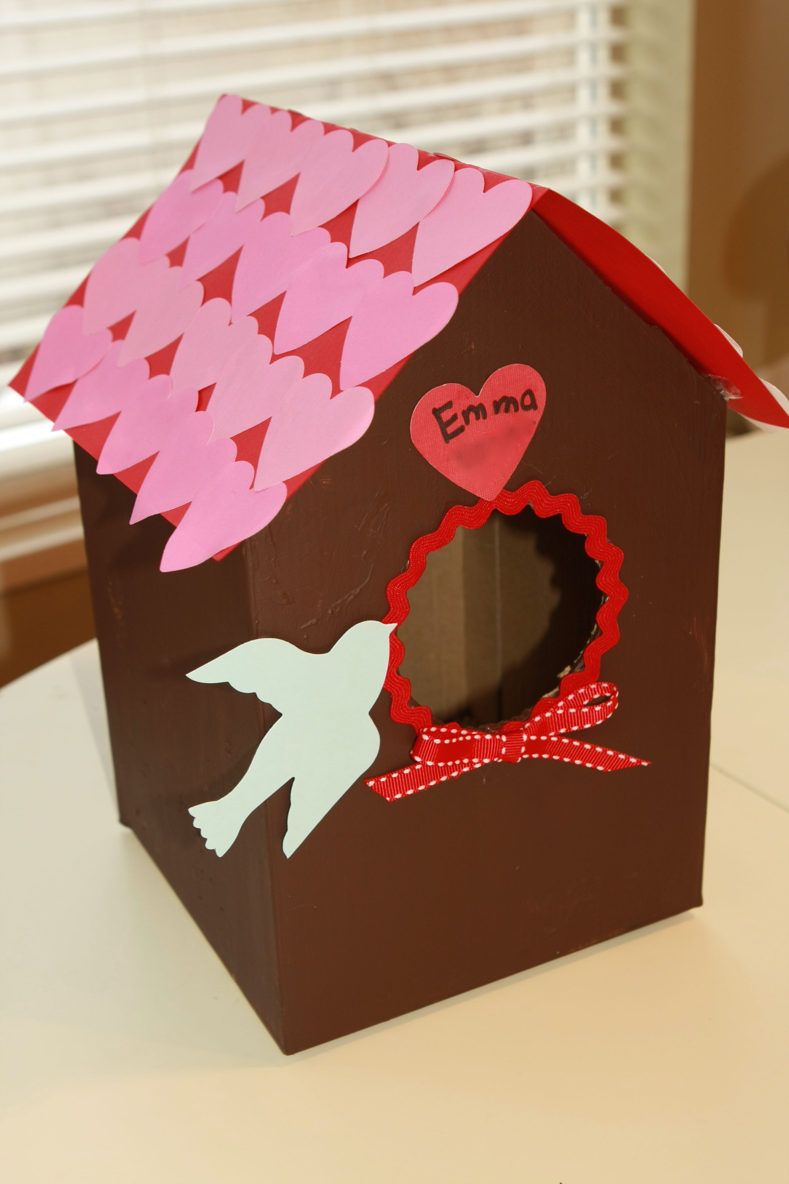 Valentin 39 s day bird house card box craft preschool for Craft box for toddlers